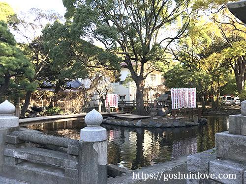 鶴峯山稲神社遠くから